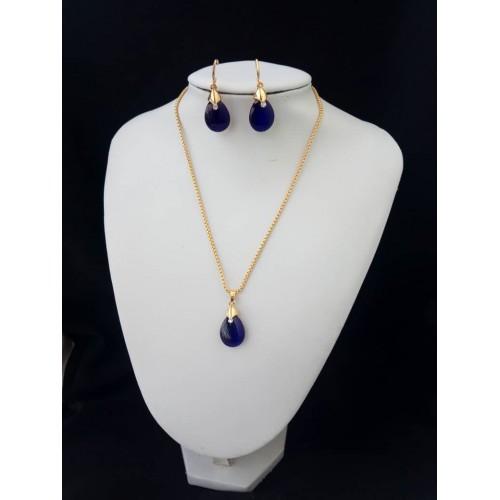 Chaine en or plaqué et cristale Bleu