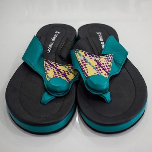 Sandale à semelle compensée...