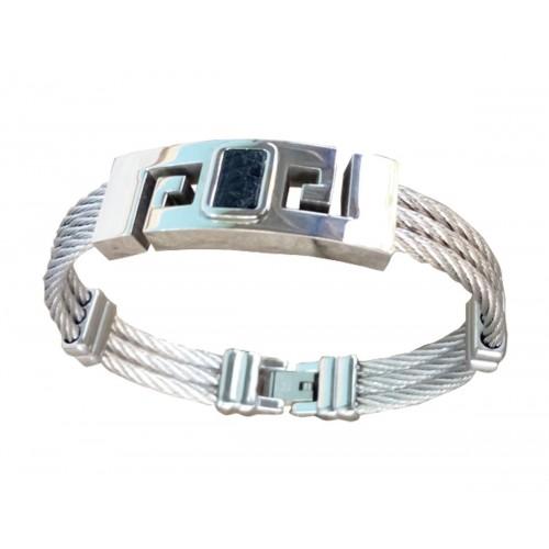 Un Beau Bracelet en acier argenté